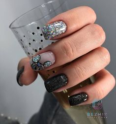 Best Nails Art 2020 The best new nail polish colors and trends plus gel manicures, ombre nails, and nail art ideas to try. Get tips on how to give yourself a manicure. New Nail Polish, Nail Polish Colors, Cute Nails, My Nails, Shellac Nails, Nail Manicure, Jasmine Nails, Mickey Nails, Best Acrylic Nails