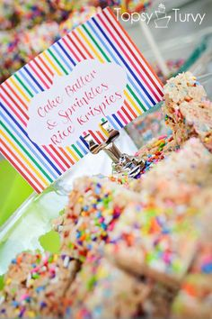cake batter and sprinkles rice krispies treats made with cake mix and sprinkles Rice Krispie Treats, Rice Krispies, Delicious Desserts, Dessert Recipes, Healthy Desserts, Dessert Ideas, Cake Ideas, Confetti Cake, Vanilla Bean Ice Cream
