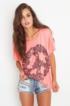 I want this shirt. Lets just make it the outfit... I want it. find more women fashion on http://www.halftee.com
