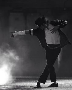 Michael 'King of Pop' Jackson Eminem, Hee Man, Michael Jackson Dance, Michael Jackson Wallpaper, Jackson's Art, King Of Music, Jackson 5, Jackson Music, The Jacksons