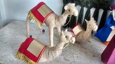 Camelos em feltro do presépio