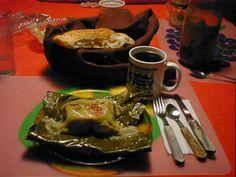 Nicaraguan typical food → Nacatamal, Comida Típica de masa, papa, carne de cerdo.