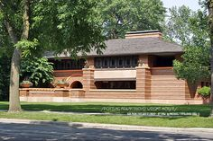 FRANK LLOYD WRIGHT HOUSES PHOTOGRAPHY CHICAGO / MICHAEL LEVY STUDIO / TYPOLOVER