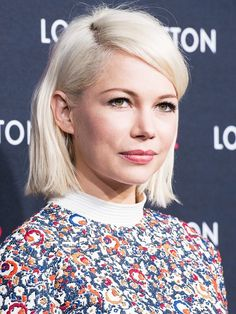 11 Most Flattering Hairstyles for Round Faces: The Blunt Bob on Michelle Williams.