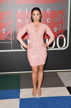 All You Need To Know About VMAs' 2015 Fashion and Beauty!4