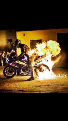Suzuki GSXR flame burnout #GSXR