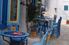 Santorini; cafe