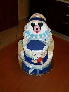 Torta di pannolini con culla diapers cake