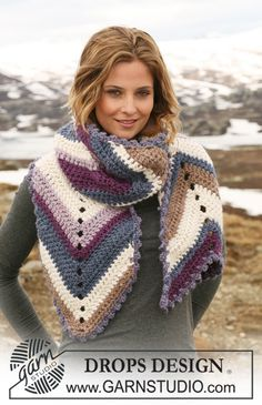 "Crochet DROPS scarf with STRIPES in ""Eskimo""."