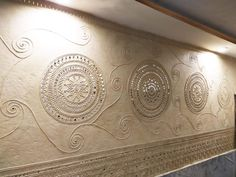 Best 11 Indore Project - Baaya creates intricate and sparkling Lippai work adorning the wall of the bedroom for a residential project. Clay Wall Art, Mural Wall Art, Clay Art, Worli Painting, Contemporary Decorative Art, India Home Decor, Indian Home Design, Batik Art, Indian Folk Art