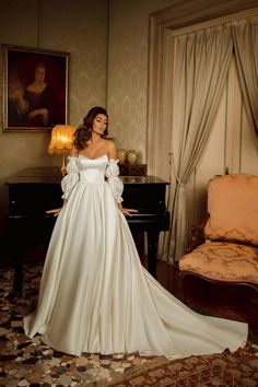 Princess satin wedding dress HARDY with corset and removable sleeves. Princess satin wedding dress HARDY with corset and removable Luxury Wedding Dress, Classic Wedding Dress, Princess Wedding Dresses, Colored Wedding Dresses, Boho Wedding Dress, Dream Wedding Dresses, Wedding Gowns, Woodland Wedding Dress, Lace Wedding