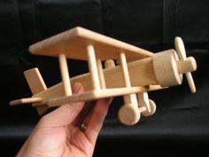 Flugzeug Doppeldecker Spielzeug fur Kinder.