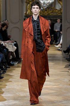 John Galliano Fall 2017 Ready-to-Wear Fashion Show - Amandine Renard