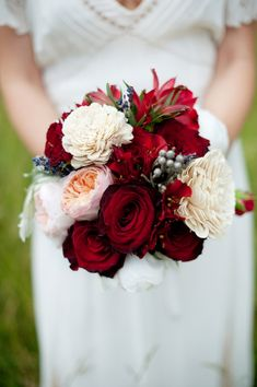 Country Glam Wedding Inspiration. Flowers of Charlotte loves this! Find us at www.charlotteweddingflorist.com