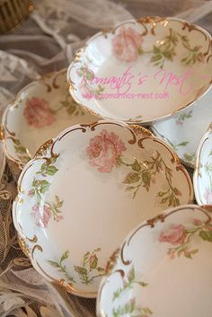 Beauiful Set of 3 Rose Decorated Antique Butter Pats Vintage Plates, Vintage China, Cottage Lounge, Limoges China, Antique Dishes, Pearl And Lace, Kitchen Dishes, Rose Cottage, Chocolate Pots