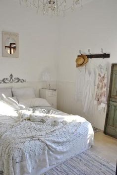 all white bedding...