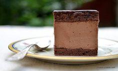 Prăjitura Rigo Jancsi cu mousse de ciocolată - rețeta originală ungurească | Savori Urbane Pastry Cake, Something Sweet, Mousse, Pudding, Tableware, Desserts, Cakes, Food, Christmas