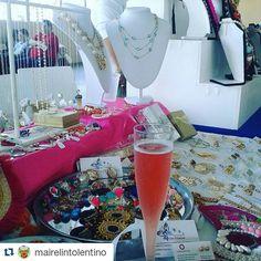 Chicas! Ya estamos junto a @mairelintolentino en @silversungallery hasta las  7 pm. Ven al mayor evento de ropa de las mejores marcas preowner de los closets más chics de RD!  Música brindis y buena vibra. Un evento by @lovebazarrd y @goiard  Aceptaremos tarjetas de credito   Te esperamos!  #shoppingday #bazaar #accesories #necklace #earrings #rings #goldfilled #silver #byou #becomplete