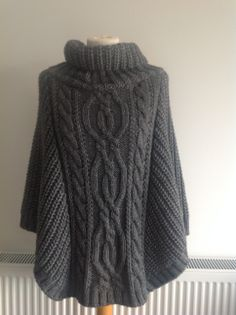 Free Knitting Pattern Chunky Cape : Knitting -Capes on Pinterest Ponchos, Ravelry and Capes