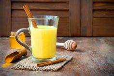 How to make Golden Milk or a Turmeric Latte! Pinner Golden Milk or Turmeric Latte Ima Turmeric Golden Milk, Turmeric And Honey, Turmeric Milk, Turmeric Health, Turmeric Curcumin, Raw Honey, Curcuma Latte, Turmeric Tea Benefits, Health Benefits
