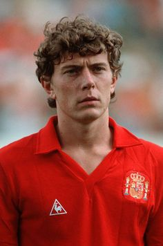 Emilio Butragueno of Spain is seen prior to the World Cup eighth final match between Spain and Yugoslavia on June 1990 in Verona, Italy. Best Football Players, World Football, Football Kits, Soccer Players, Football Soccer, Spain Football, Retro Football, Vintage Football, World Cricket