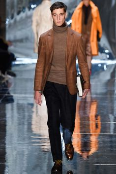 Farb- und Stilberatung mit www.farben-reich.com - Fall 2015 Trend / Maybe it's the growing distaste for neckties, or just that they project a cozy vibe for the winter months, but the turtleneck sweater became the de facto suit pairing of the season.