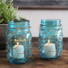 Create some backyard ambience with these canning jar lanterns using this easy tutorial.