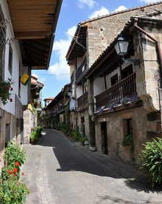 Place: Cartes / Cantabria, Spain. Photo by: Canduela (flickr)