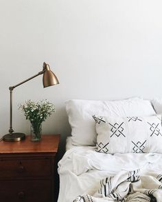 4 Young ideas: Minimalist Decor Diy Bedside Tables minimalist home living room layout.Minimalist Home Inspiration Coffee Tables minimalist bedroom wardrobe simple.Minimalist Home Organization Mom. Home Bedroom, Bedroom Decor, Design Bedroom, Bedroom Scene, Bedroom Corner, Bedroom Inspo, Bedroom Ideas, Master Bedroom, Interior Desing