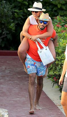 Alicia Keys hitches a ride with hubby Swizz Beatz in St. Barts on Mar. 23