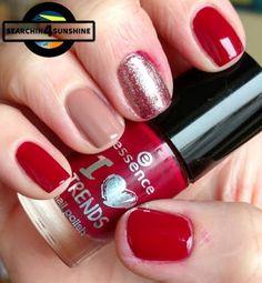 Searchin 4 Sunshine: [Nails] NailArt-Dienstag: Dreiecke - totaler FAIL mit essence 06 sweet caramel sweets & 13 rudolph's favorite