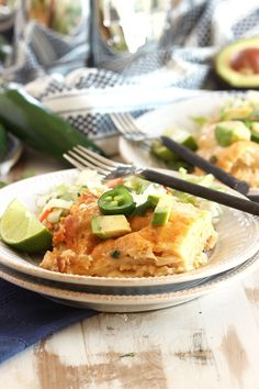 A dinnertime favorite, cheesy enchiladas turned into a casserole. Loaded with chicken, green chiles and creamy, cheesy sauce, this Slow Cooker White Chicken Enchilada Casserole is simple to make and. Slow Cooker Recipes, Crockpot Recipes, Chicken Recipes, Cooking Recipes, Crockpot Dishes, Turkey Recipes, White Chicken Enchiladas, Chicken Enchilada Casserole, Cheesy Enchiladas