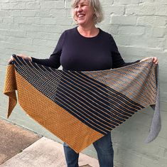 Ravelry: Project Gallery for Bronwyn Shawl pattern by Toni Lipsey