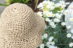 paper yarn hat - lovely Knit Crochet, Crochet Hats, Twine, Diy Design, Most Beautiful Pictures, Recycling, Wool, Knitting, Paper