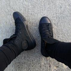16 Tenis que te encantarán si amas el color negro