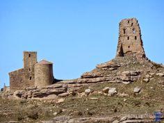 El castillo de Marcuello se encuentra sobre la sierra del mismo nombre en la Localidad de de Sarsamarcuello en el municipio de Loarre provincia de Huesca. castillo-de-marcuello-2