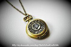 Precioso reloj romántico y con acabado vintage de Arts&Crafts por DaWanda.com