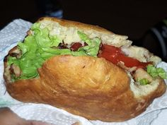 BOKIT (recette guadeloupéenne) : Recette de BOKIT (recette guadeloupéenne) - Marmiton Sauce Au Poivre, Hamburger, Ethnic Recipes, Food, Food Recipes, Cod, Meal, Eten, Hamburgers