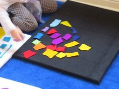 K is for kaleidoscope by Teach Preschool -- Kaleidoscope felt board after reading I See a Song by Eric Carle Teach Preschool, Preschool Kindergarten, Circle Time Games, Felt Board Stories, Felt Boards, Eric Carle, Felt Art, Art Activities, Art Therapy