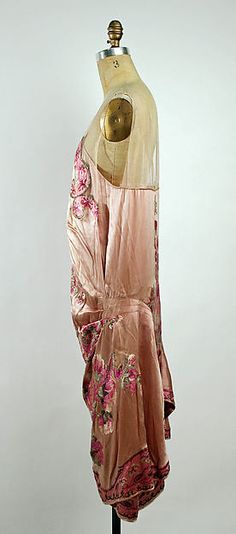 Evening dress (image 3) | Callot Soeurs | French | 1925-26 | silk, silver thread | Metropolitan Museum of Art | Accession Number: C.I.51.113