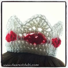Need a crown? Make your own Queen of Hearts Crown. Spread the love. http://dearestdebi.com/queen-of-hearts-crown