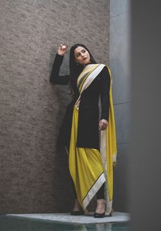 Shopzters | Time to follow the 'Shirt Jacket' Trend! Saree Wearing Styles, Saree Styles, Indian Wedding Outfits, Indian Outfits, Choice Fashion, Ladies Fashion, Women's Fashion, Fashion Tips, Pakistani Dresses Casual