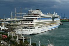 Shocking Facts About Cruise Ships Beautiful Vacation Spots, Shocking Facts, Logs, High Quality Images, Find Image, The Good Place, Cruise Ships, Island, World