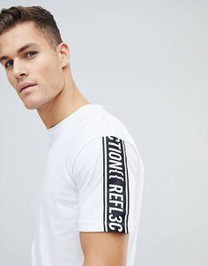 Jack & Jones Core Boxy Fit T-Shirt With Sleeve Slogan at ASOS. Slogan Tshirt, T Shirt Vest, Sport T Shirt, Polo Design, Men Design, Urban Fashion, Mens Fashion, Tattoo T Shirts, Lacoste