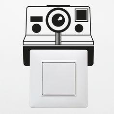 Sticker pour interrupteur Polaroid disponible sur www.optimistick.fr