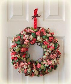 33 festive christmas wreaths you can easily diy diy crafts homemade christm Christmas Wreath Image, Christmas Ribbon, Christmas Wreaths, Winter Wreaths, Spring Wreaths, Summer Wreath, Christmas Design, Handmade Christmas, Christmas Holidays