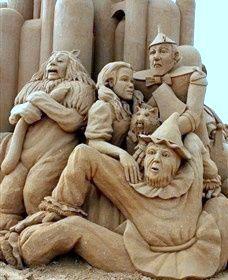 Wizard Of Oz Sand Castle Art - Australia - 2013 Sculpture Textile, Sculpture Art, Abstract Sculpture, Bronze Sculpture, Snow Sculptures, Metal Sculptures, Ice Art, Snow Art, Grain Of Sand
