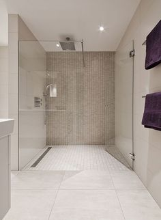 52 Natural Stone Bathroom Tile Design - Have Fun Decor Bathroom Tile Designs, Bathroom Inspo, Bathroom Interior, Bathroom Inspiration, Modern Bathroom, Small Bathroom, Berry Alloc, Natural Stone Bathroom, Kabine