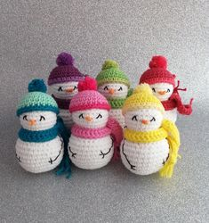 Crochet Christmas Decorations, Diy Crochet Ornaments, Crochet Snowman, Crochet Decoration, Crochet Crafts, Decoration Noel, Crochet Patterns Free Easy Quick, Free Christmas Crochet Patterns, Amigurumi Patterns