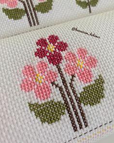 Needlepoint Patterns, Baby Knitting Patterns, Crochet Patterns, Cross Stitch Designs, Cross Stitch Patterns, Cross Stitching, Cross Stitch Embroidery, Simple Cross Stitch, Plastic Canvas Crafts